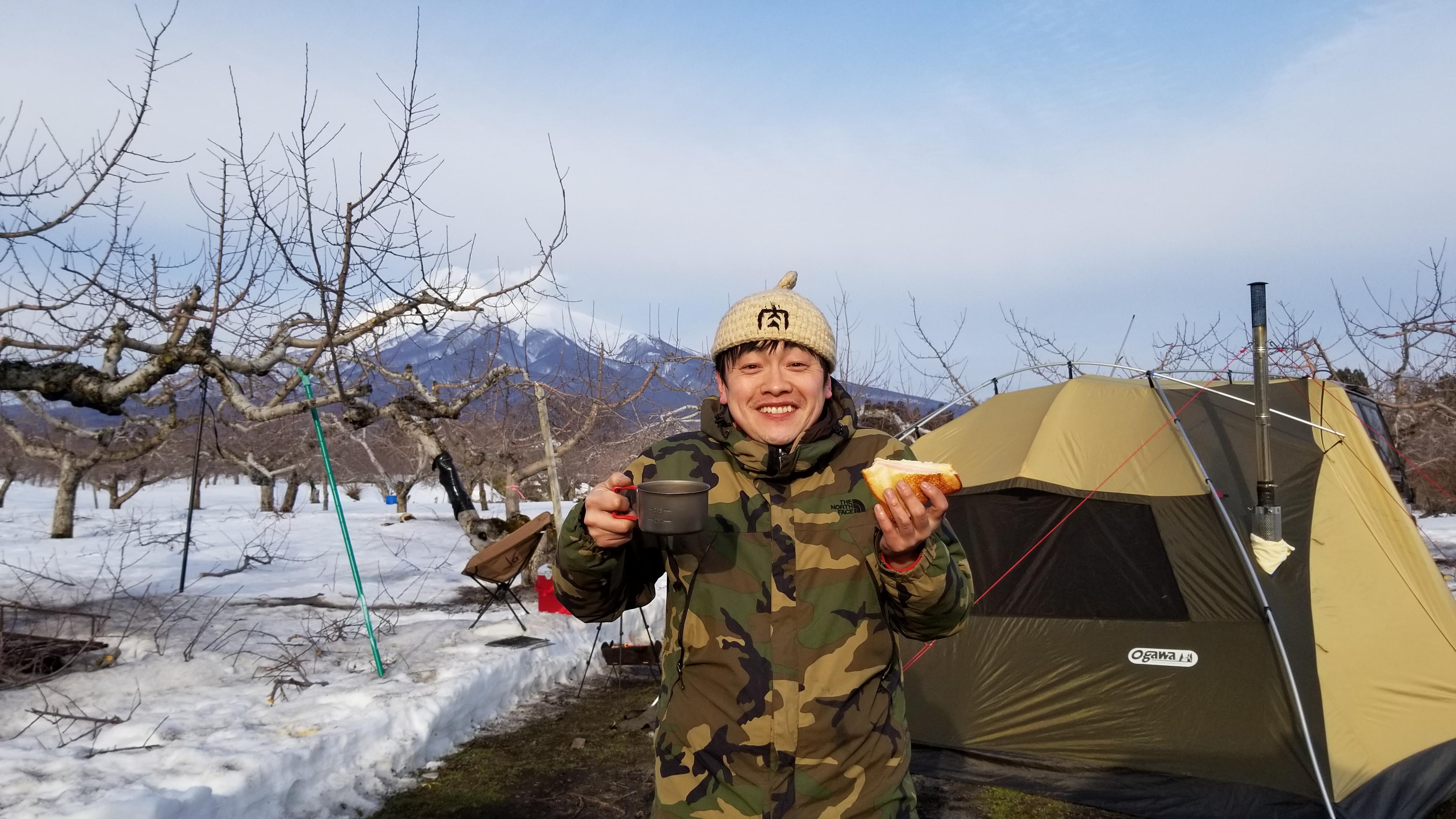 リンゴ畑で雪中キャンプ